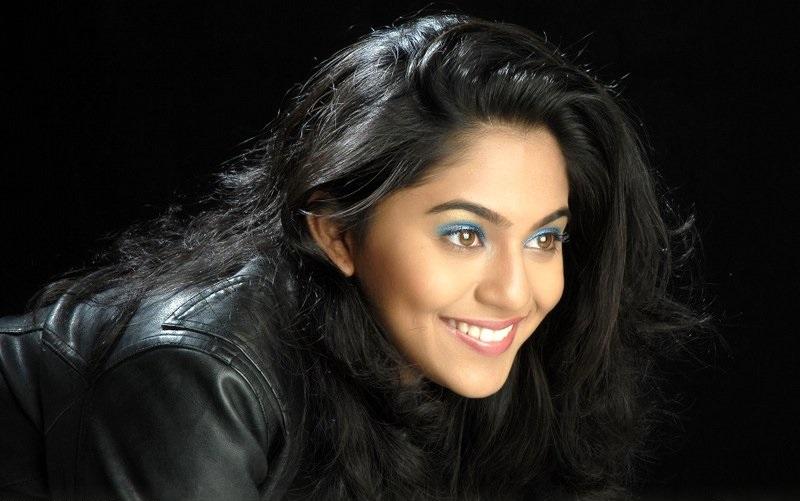 Mrunmayee Deshpande sexcy image