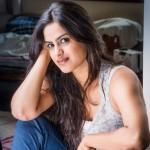 Neha Mahajan HD Images