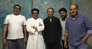 raj-thackeray-with-ventilator-team