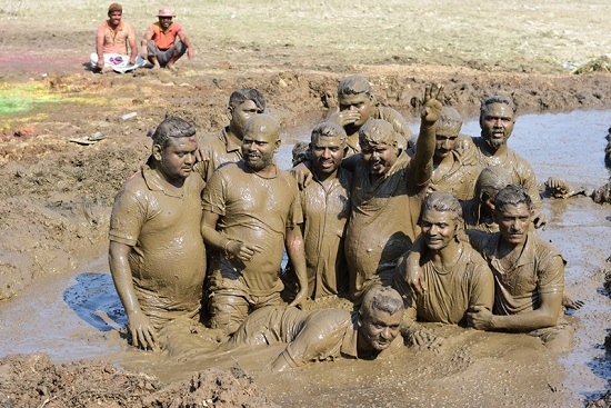 Baban team in mud