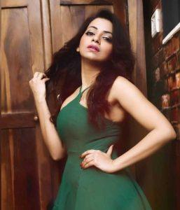 sarika raghwa ullu actress